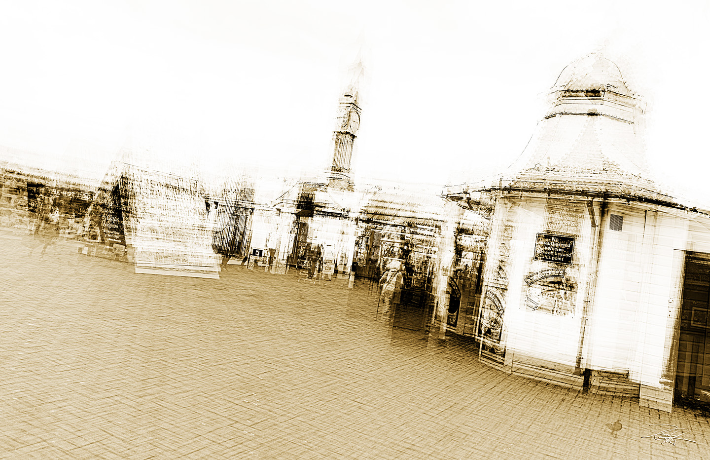 palace-pier-entrance-duotone